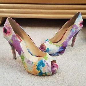 Guess heels pumps size 7
